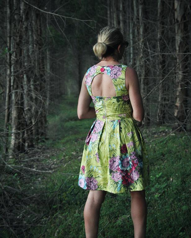 Daphne day dress DIY sewing pattern